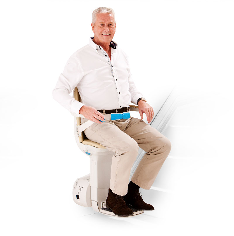 Man_sitting_on_simplicity_plus_bottom_of_stairs_freestanding