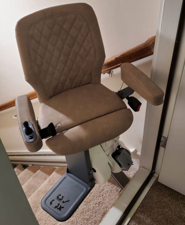 UP CURVED MODULAR STAIRLIFT
